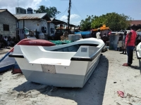 FIBERGLASS  BOAT FOR FISHING